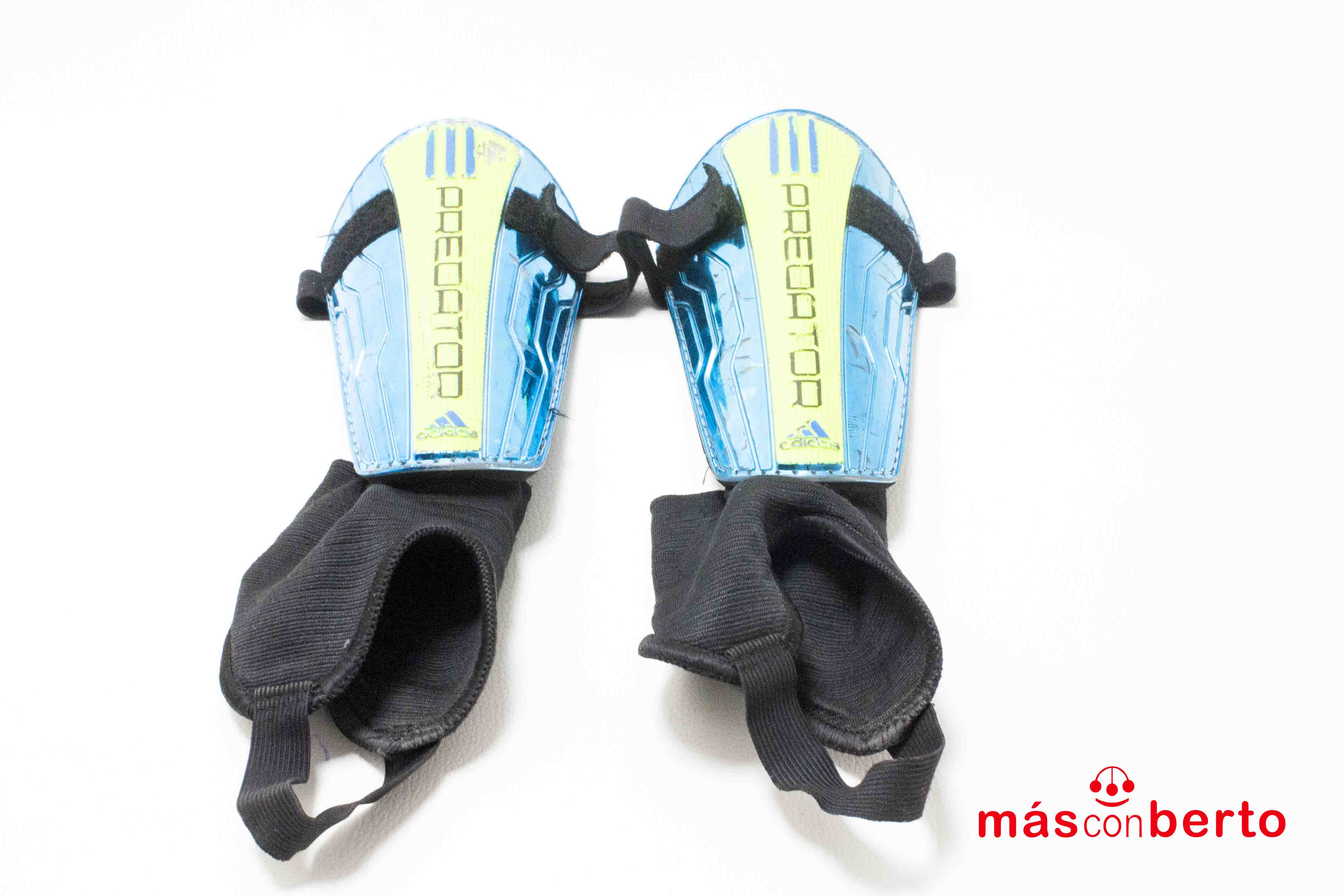 Espinillera Adidas Predator...