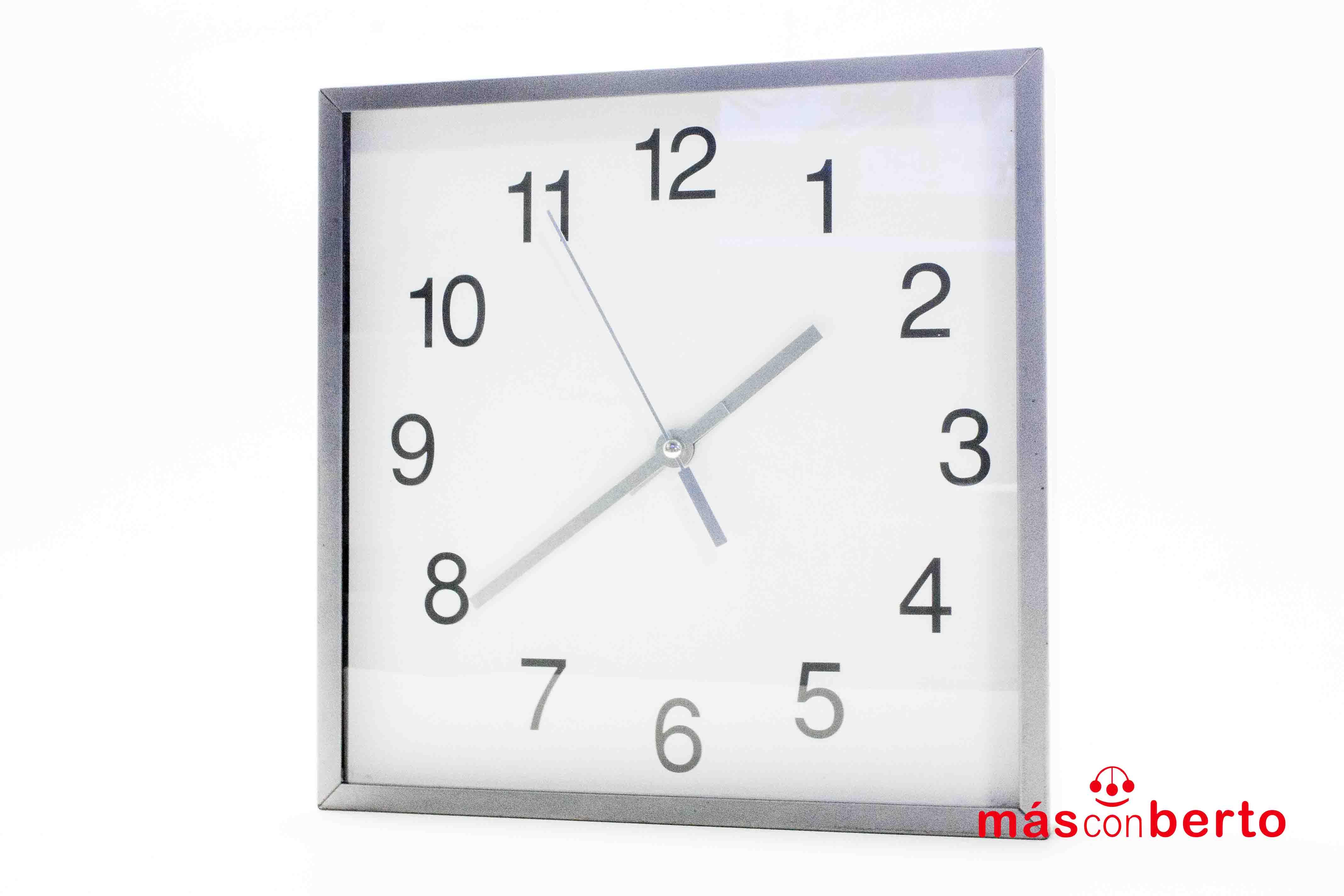 Reloj Ikea cuadrado