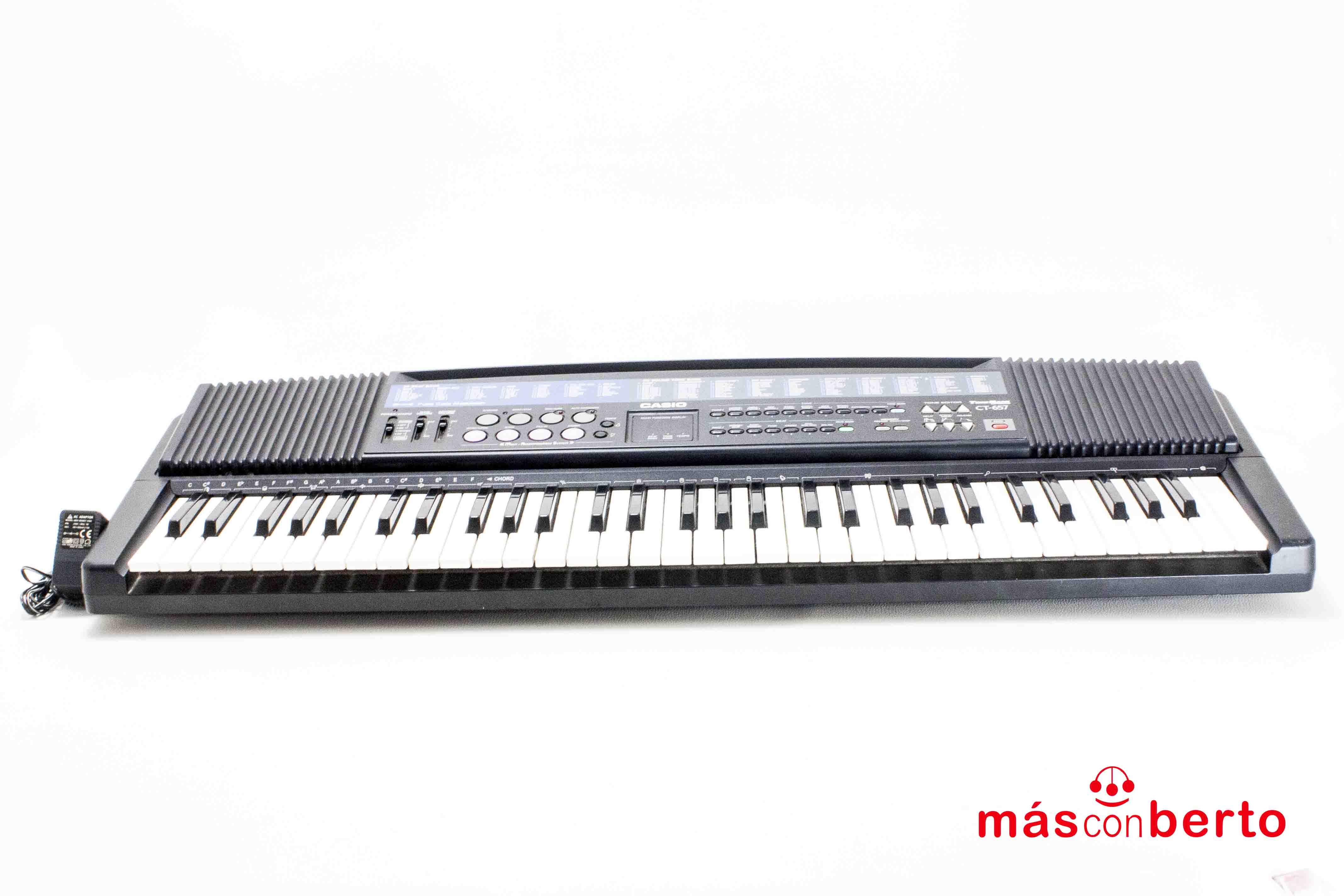 Teclado Casio modelo CT-657