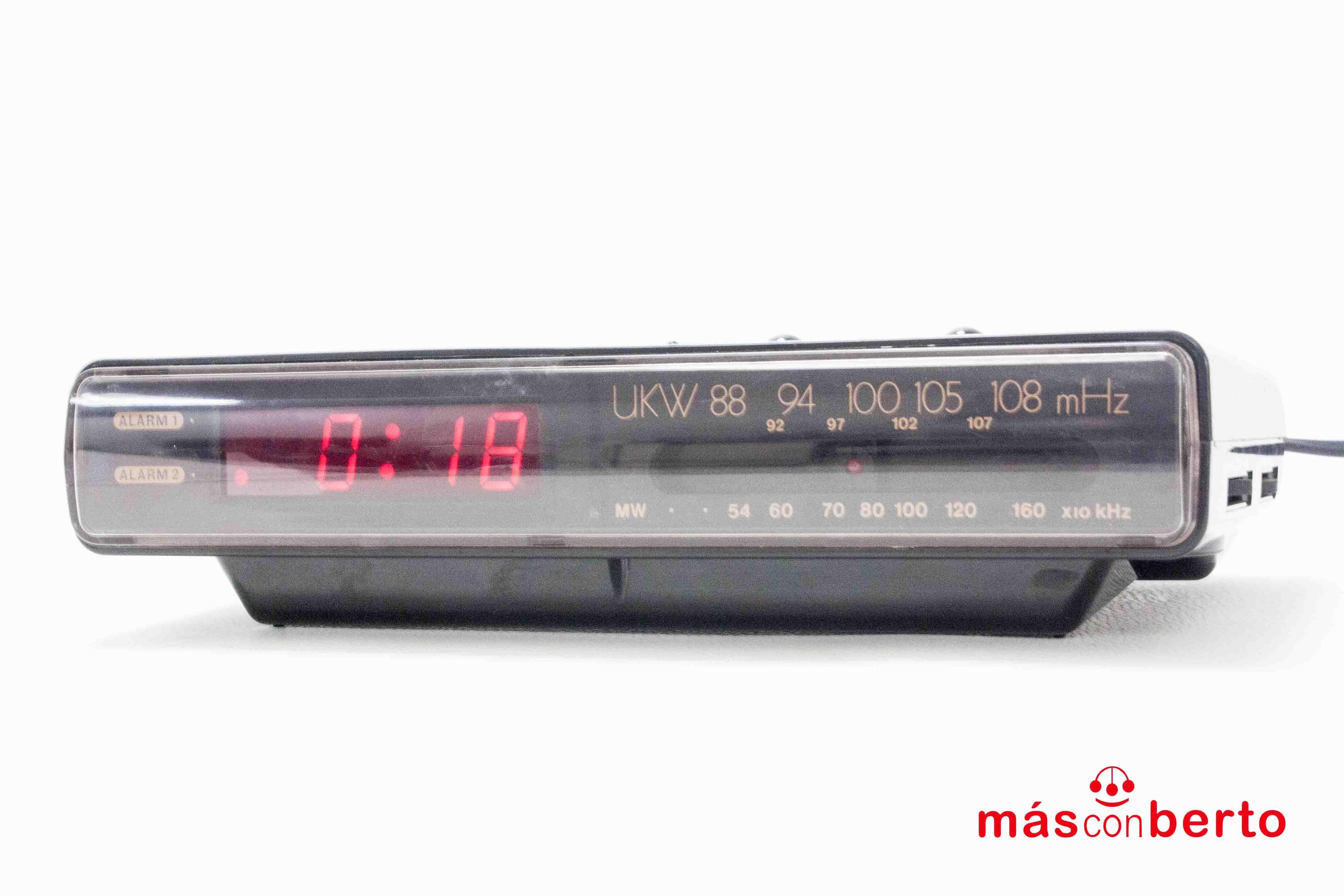 Radio reloj despertador...