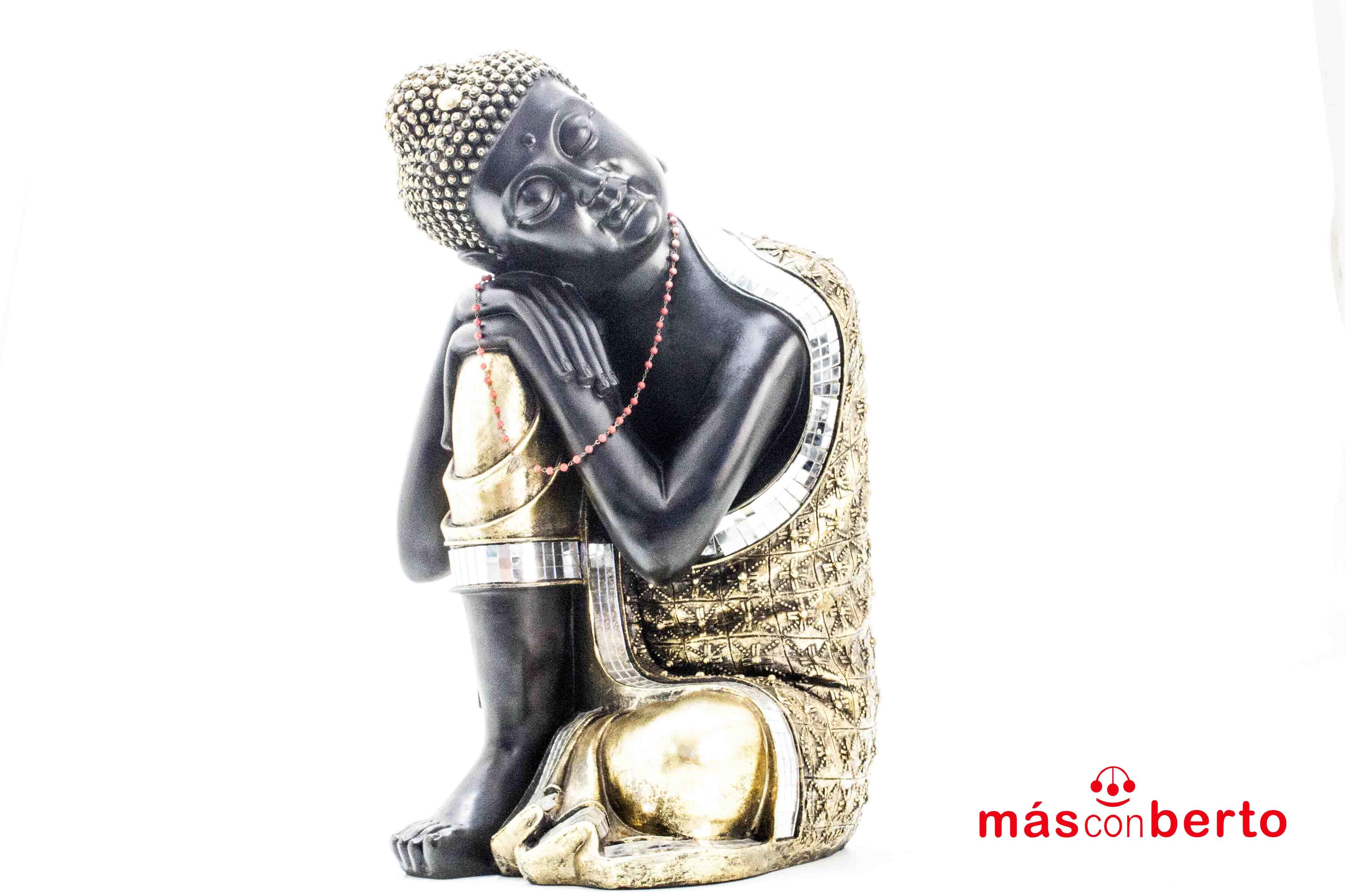 Buda negro y dorado...