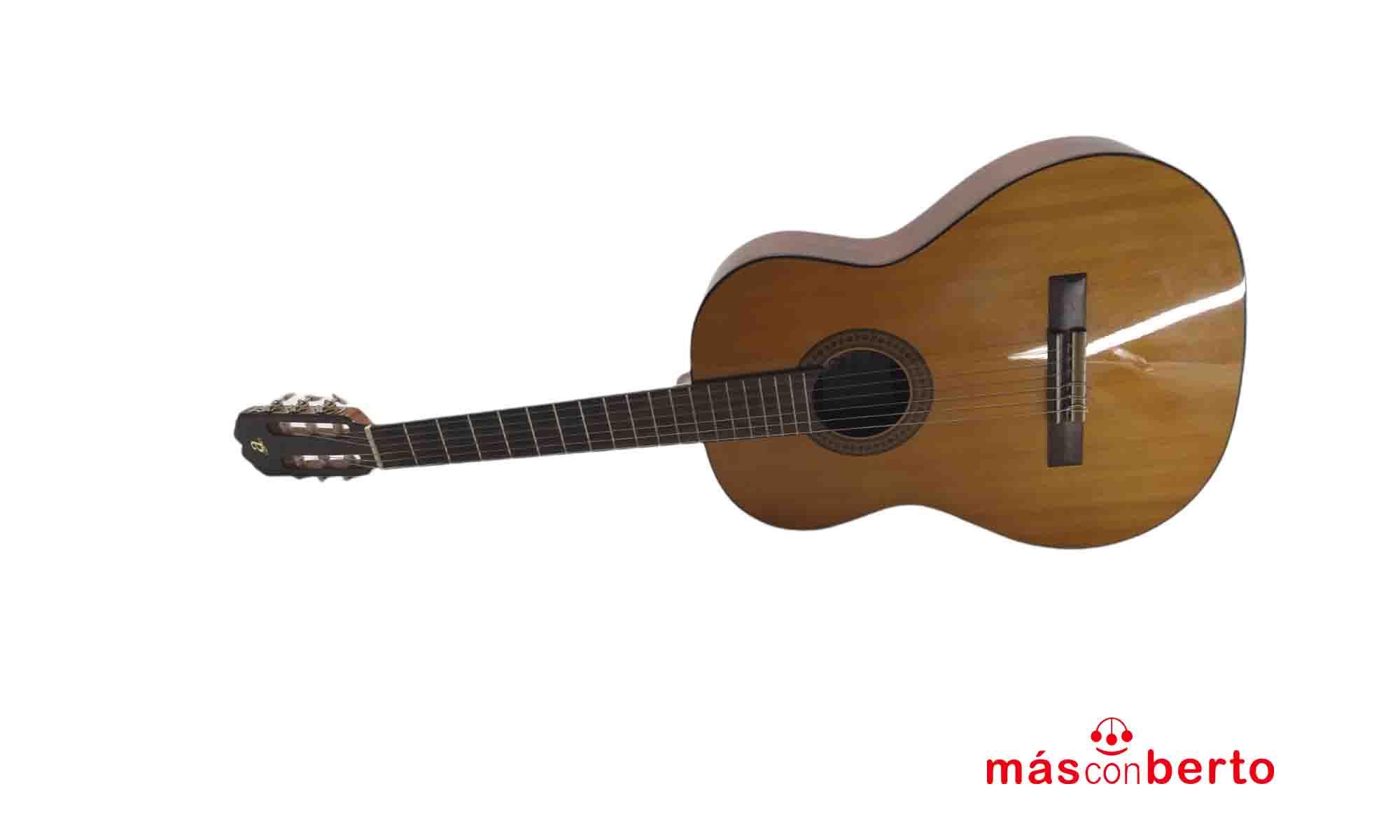 Guitarra acústica española...