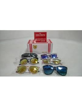 Gafas de sol variadas con...