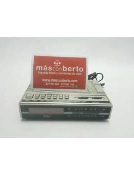 Radio Despertador antiguo...