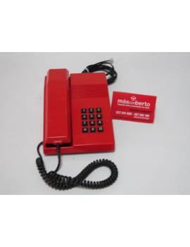 Teléfono color rojo